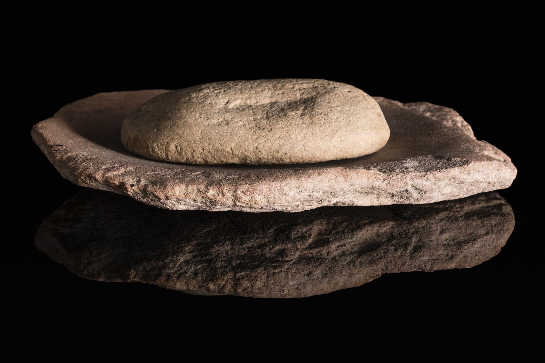 93/36/1 Grindstone and mill, stone, Australia, c. 1900